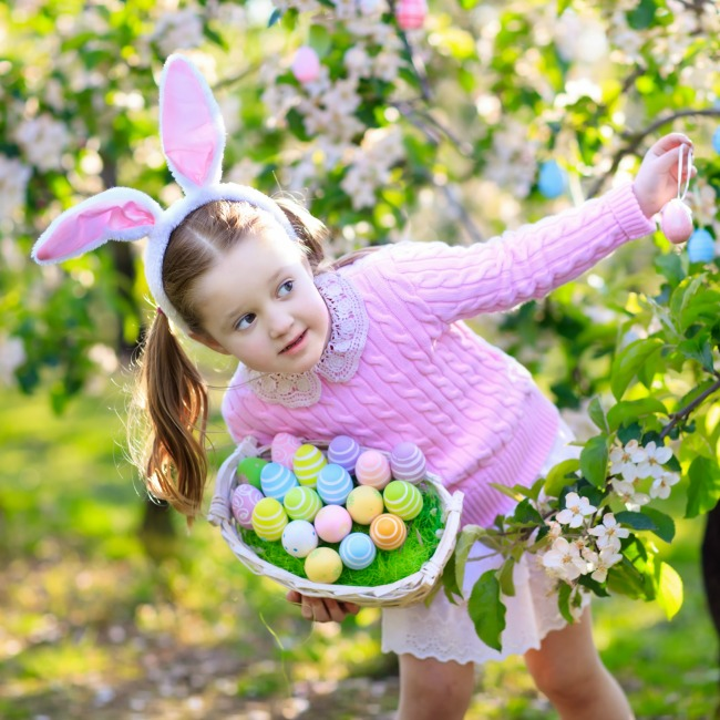 host an awesome easter egg hunt for kids