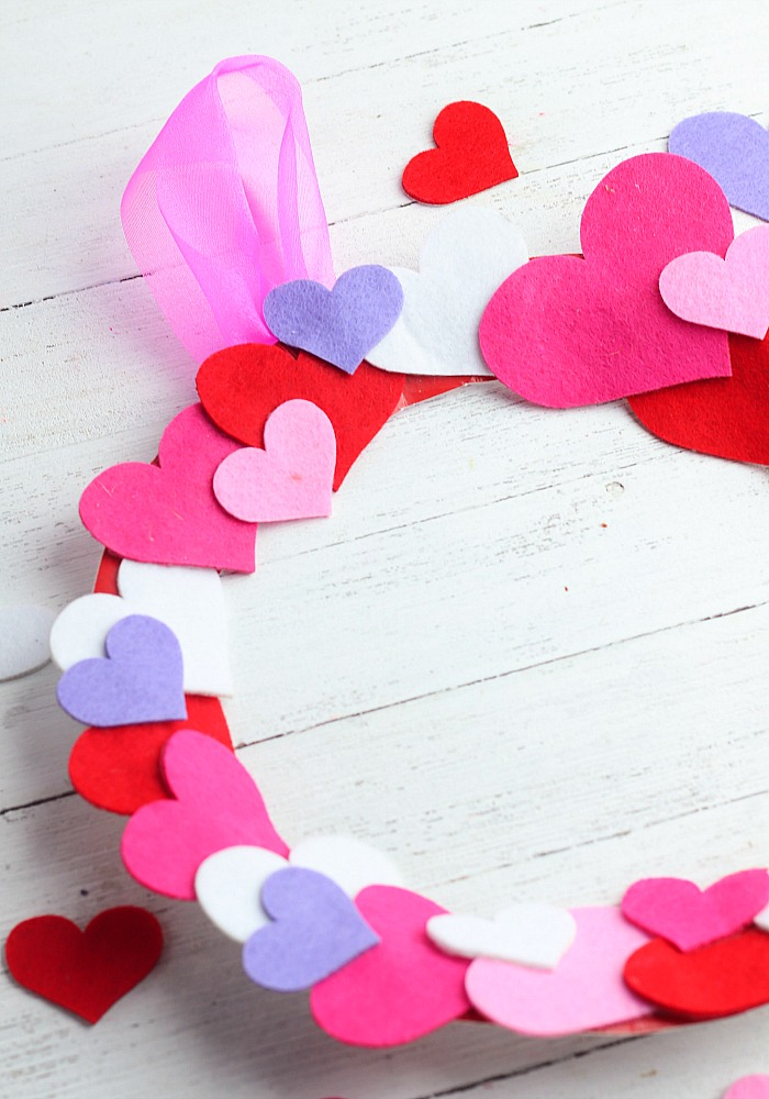 paper plate heart wreath craft for kids