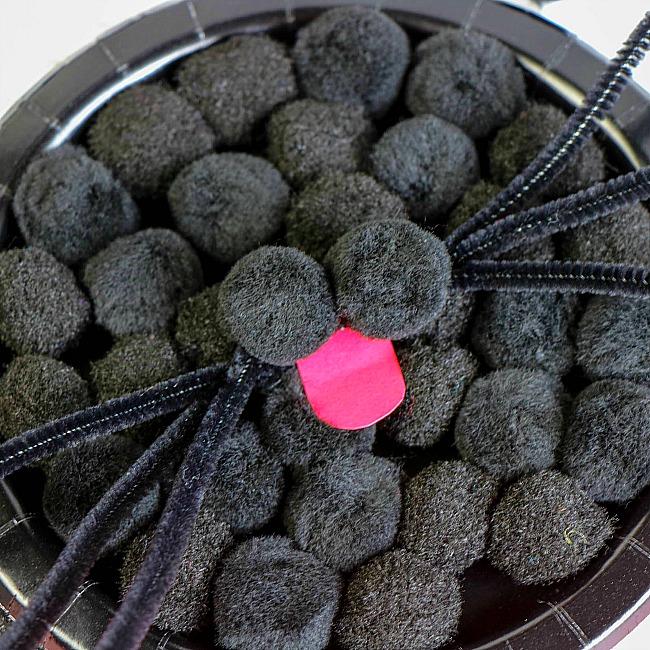 black cat pom pom paper plate craft for kids