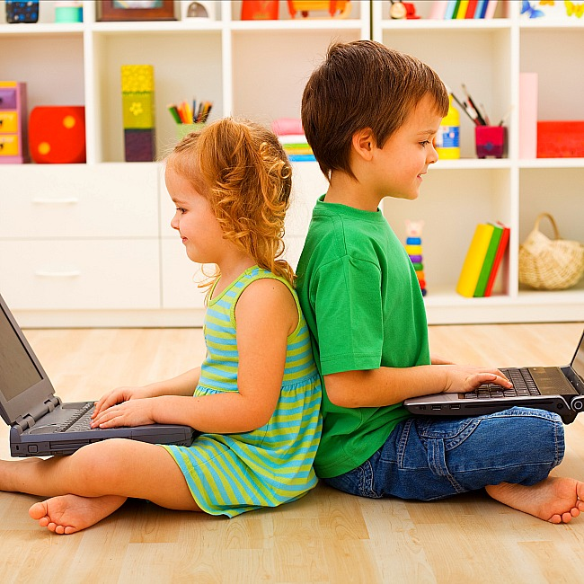 ergo tips for kids sitting at computer