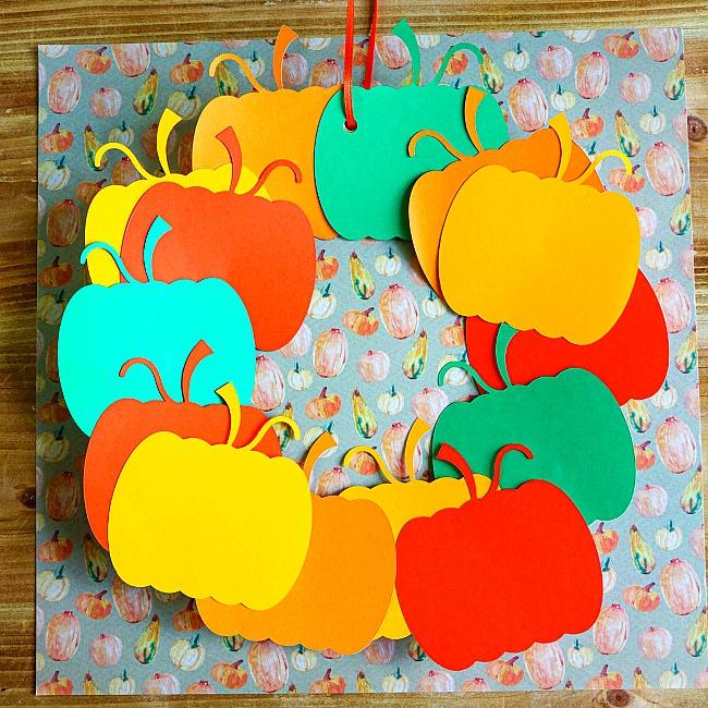 pumpkin paper plate wreath craft