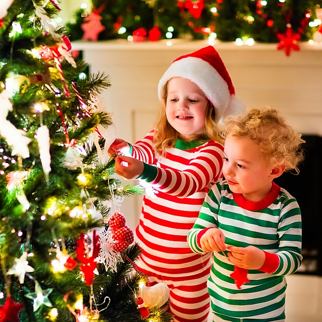 kids can help decorate for christmas