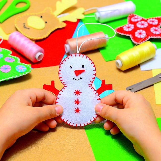 low key home vibe fun family christmas traditions