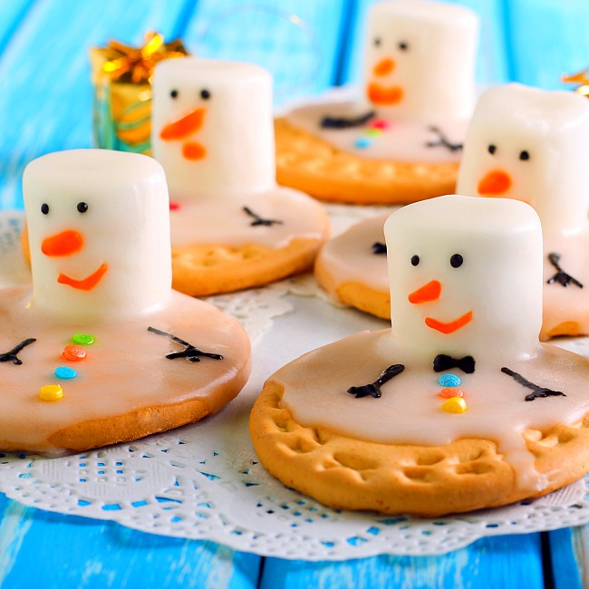 making christmas cookies with your kids